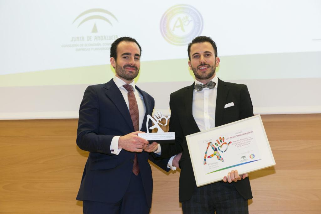 Luis Torres de Bowtery recibe el Premio a la Artesanía de Andalucía